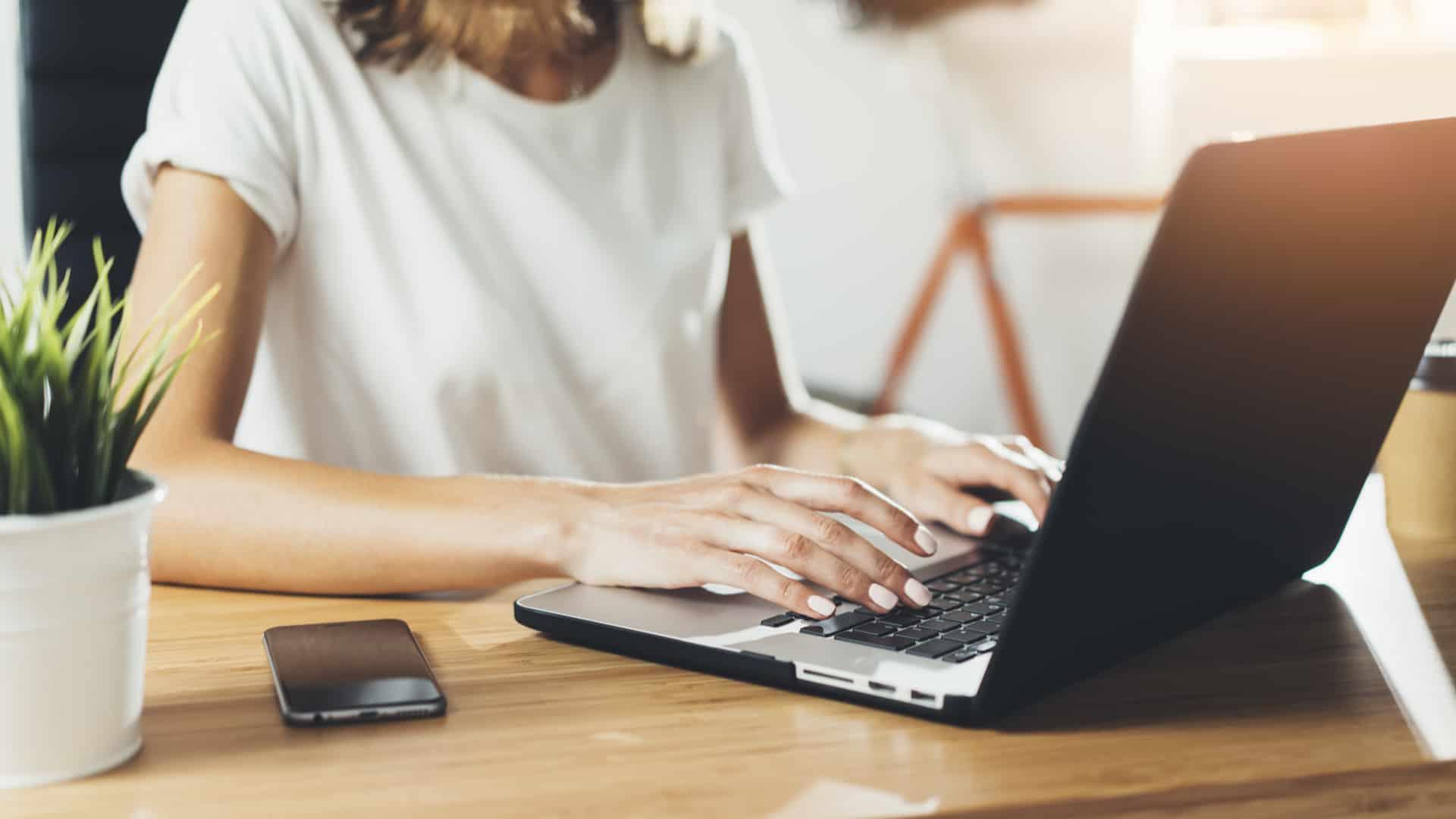 Escasez de laptops en 2021 BLOG LEASEIN