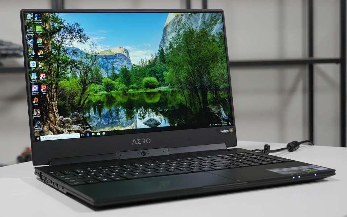 Laptop Aero Gigabyte Ultra-Thin 15X V8-BK4 laptop para modelar renderizar y diseñar en 3D